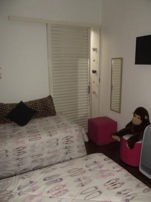 Casa / de 3 dormitórios em Jardim Messina, Jundiai - SP