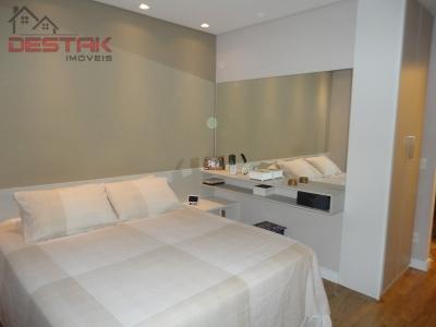 Casa / de 3 dormitórios em Jardim Colônia, Jundiai - SP