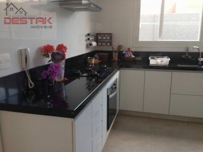 Casa / de 3 dormitórios à venda em Engordadouro, Jundiai - SP