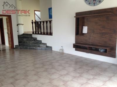 Casa / de 4 dormitórios em Pq Da Fazenda, Itatiba - SP