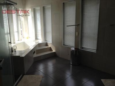 Casa / de 3 dormitórios à venda em Jordanésia, Cajamar - SP