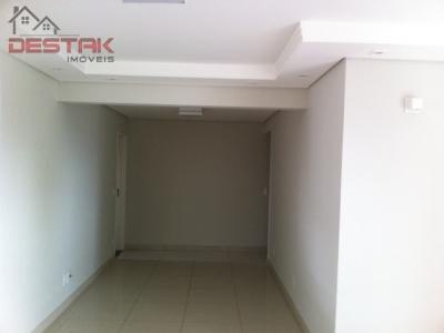 Apartamento / de 3 dormitórios à venda em Chácara Urbana, Jundiai - SP