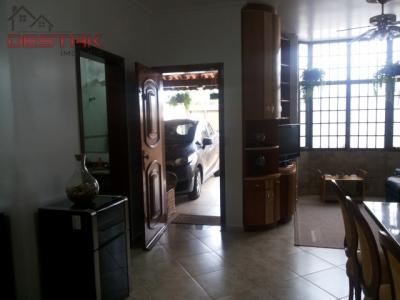 Casa / de 3 dormitórios em Jardim Quintas Das Videiras, Jundiai - SP