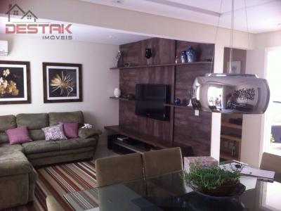 Casa / de 4 dormitórios em Eloy Chaves, Jundiai - SP