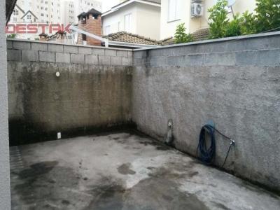 Casa / de 3 dormitórios à venda em Jardim Shangai, Jundiai - SP