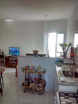 Apartamento / de 2 dormitórios à venda em Vila Vianelo, Jundiai - SP