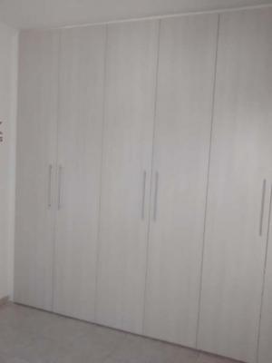 Apartamento / de 4 dormitórios em Vila Vianelo, Jundiai - SP