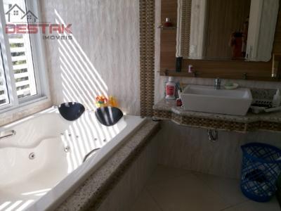 Casa / de 3 dormitórios em Medeiros, Jundiai - SP