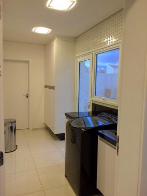 Casa / de 4 dormitórios à venda em Cidade Santos Dumont, Jundiai - SP